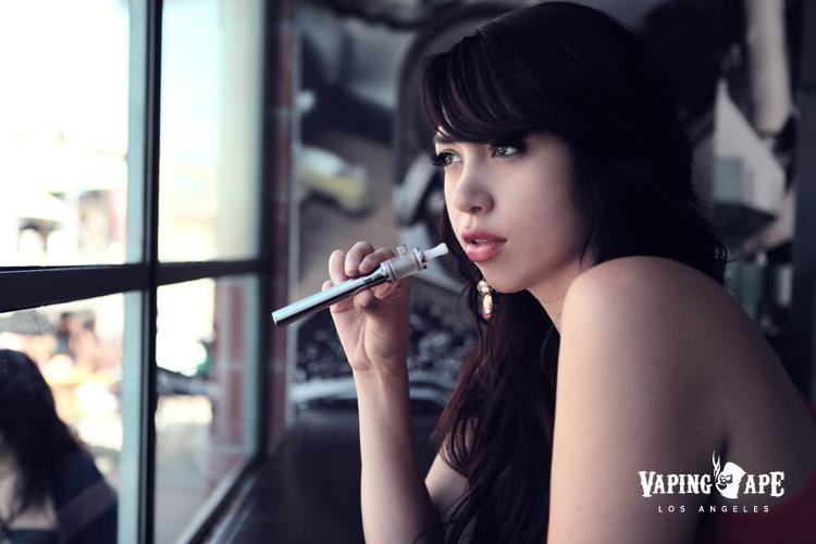 Mariella-Vaping-Ape-LA-06